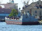 B-12船舶图片
